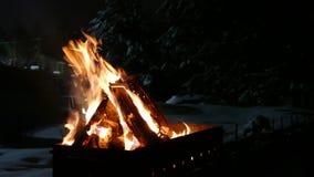 在火盆的火 股票录像