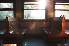 在火车的两三条长凳 库存照片