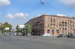 在火车站前摆正在耶烈万,亚美尼亚 免版税库存图片