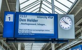 在火车站的信息标志 免版税库存照片