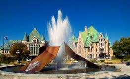 在火车站的喷泉在魁北克 图库摄影