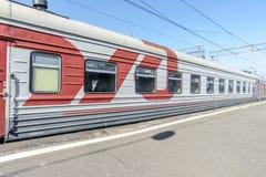 在火车站的火车在俄罗斯 免版税库存图片