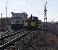 在火车轨道的维修服务车 免版税库存图片