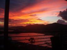 在火,加勒比样式的天空 免版税库存照片