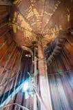 在灯塔里面的一部螺旋形楼梯 免版税库存图片