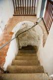 在灯塔里面的一部螺旋形楼梯 库存照片