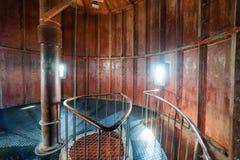 在灯塔里面的一部螺旋形楼梯 免版税库存照片