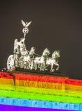 在灯节的勃兰登堡门期间在柏林 库存照片