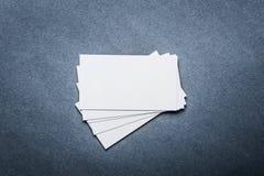 在灰色背景的名片模板 免版税库存照片