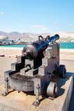 在炮架的古色古香的大炮 图库摄影