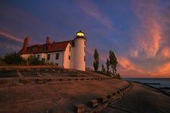 在点Betsie灯塔的日落在法兰克福密执安,美国附近 库存照片