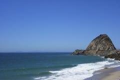 在点Mugu, SoCal的海滩 免版税库存照片