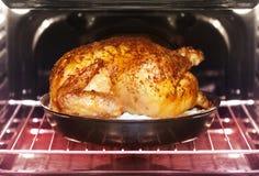 在烤箱的土耳其烘烤 免版税库存图片
