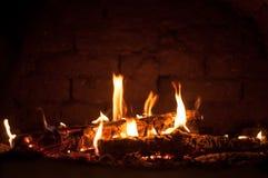 在烤箱的小火 免版税图库摄影