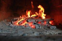 在烤箱的火焰火 免版税库存图片