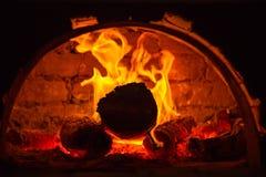 在烤箱的火 免版税库存照片