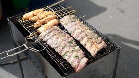 在烤肉格栅的肋骨 影视素材