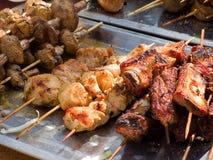 在烤肉的开胃可口油煎的肉烤户外 免版税图库摄影