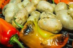 在烤肉的蔬菜 库存图片