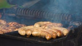 在烤肉的香肠 图库摄影