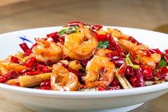 在热和辣调味汁的油煎的虾 库存照片