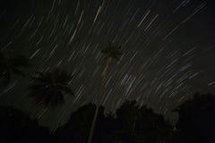 在热带海岛的星足迹 图库摄影