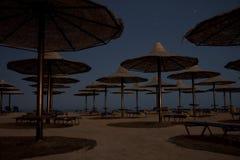 在热带海滩的昏星 免版税图库摄影