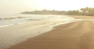 在热带海滩的美好的早晨风景 股票录像