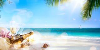 在热带海滩的艺术蜜月 库存图片