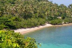在热带海滩风景的顶视图在泰国, Phangan 库存图片