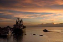 在热带端口的日出 库存图片