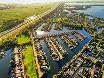 在热的夏天期间,寄生虫顶视图在阿姆斯特丹附近vinkeveen 库存照片