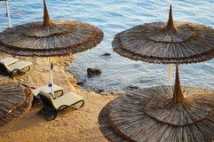 在热的夏日期间,看见海滩 免版税库存图片