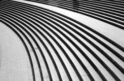 在热的太阳下的弯曲的楼梯 库存照片