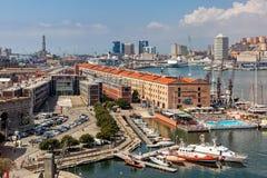 在热那亚,意大利港的看法  免版税库存照片