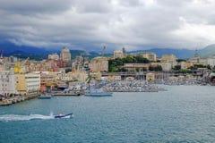 在热那亚,意大利港的看法  免版税库存图片