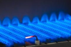 在燃气锅炉里面的气体火焰 免版税图库摄影