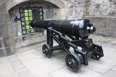 在爱丁堡城堡的一门大炮 免版税库存照片