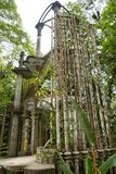 在爱德华詹姆斯的混凝土结构在Xilitla墨西哥从事园艺 免版税库存图片