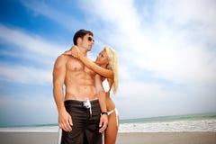在爱的夫妇在假期 免版税库存照片