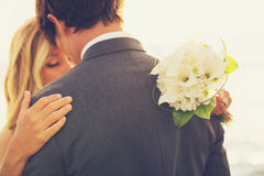 在爱的婚礼夫妇 库存图片