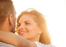 在爱的愉快的一起-夫妇 免版税库存照片