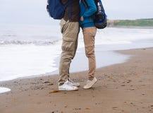 在爱的旅客夫妇 免版税图库摄影