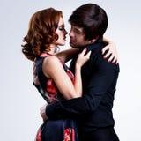 在爱的美好的性感的夫妇。 免版税库存图片