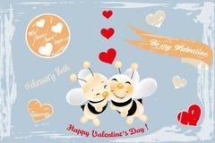 在爱的逗人喜爱的蜂-减速火箭的卡片 免版税库存照片