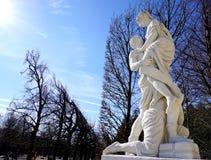 在爱的雕象 免版税库存照片