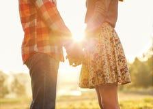 在爱的年轻夫妇 库存图片