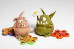 在爱的Felted玩具Mosters 免版税库存照片