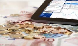 在片剂个人计算机的股票指数 免版税库存图片