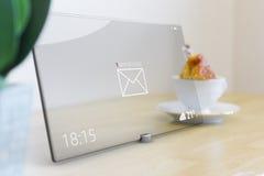 在片剂的新的消息有玻璃触摸屏的 免版税库存照片